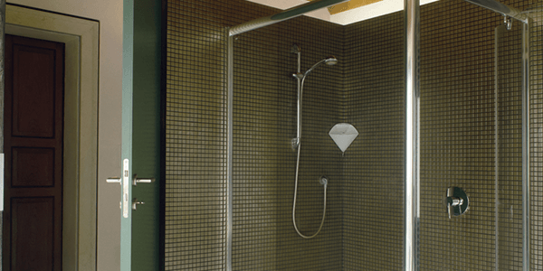 Elegant glass shower cubicles enclosure