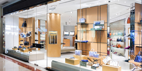 Extra-clear glass for retail stores