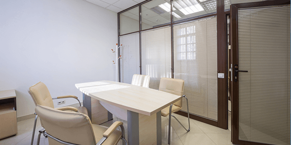 Customized solutions integrated glass blinds