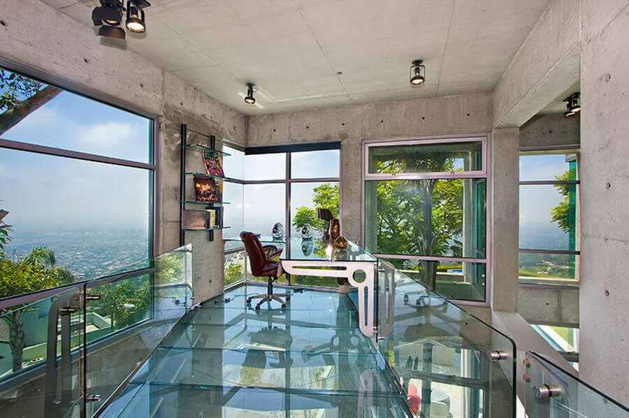 Glass Flooring For An Impeccable Decor